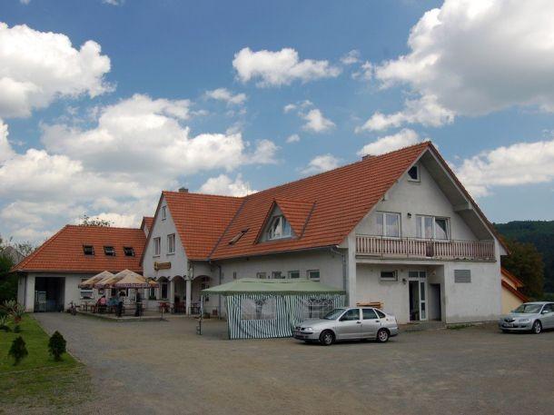 Penzion Pod Sýpkou (Lomnice)
