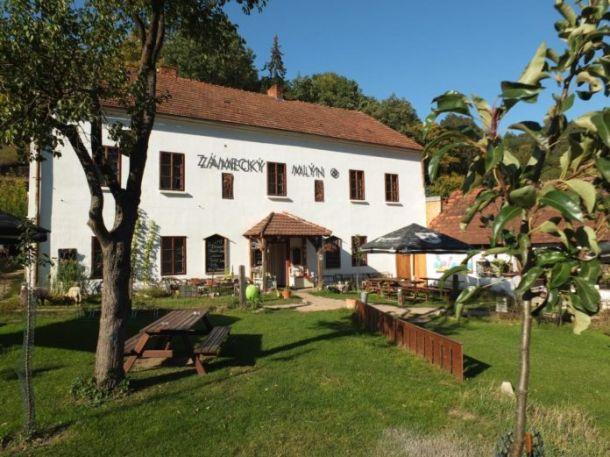Penzion Zámecký mlýn (Lomnice)