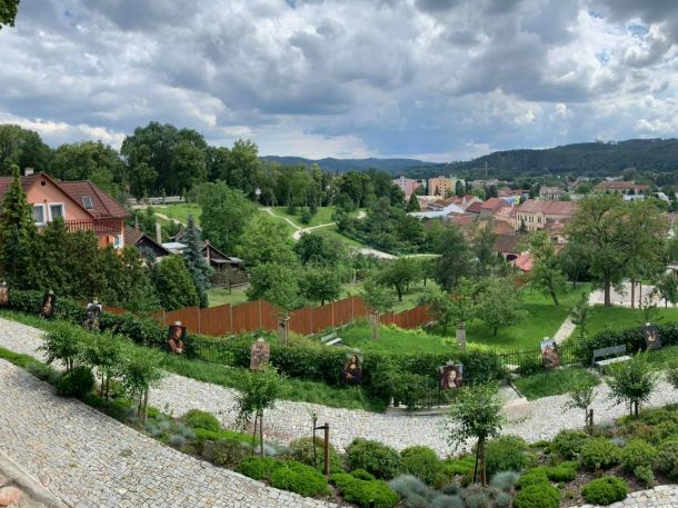 Za Leonardem do Farské zahrady v Tišnově